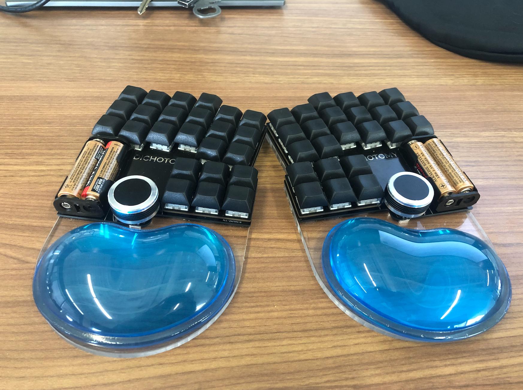 Dichotomy - Keyboard and Mouse | Hackaday io