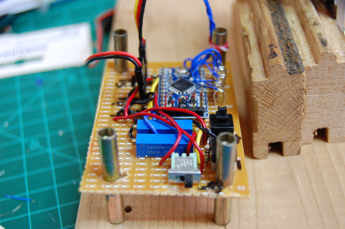 Project Weekend Novelty Projects Led Shaking Electronic Dice Kit Is A Microprocessor Controlled Circuit An Error Occurred