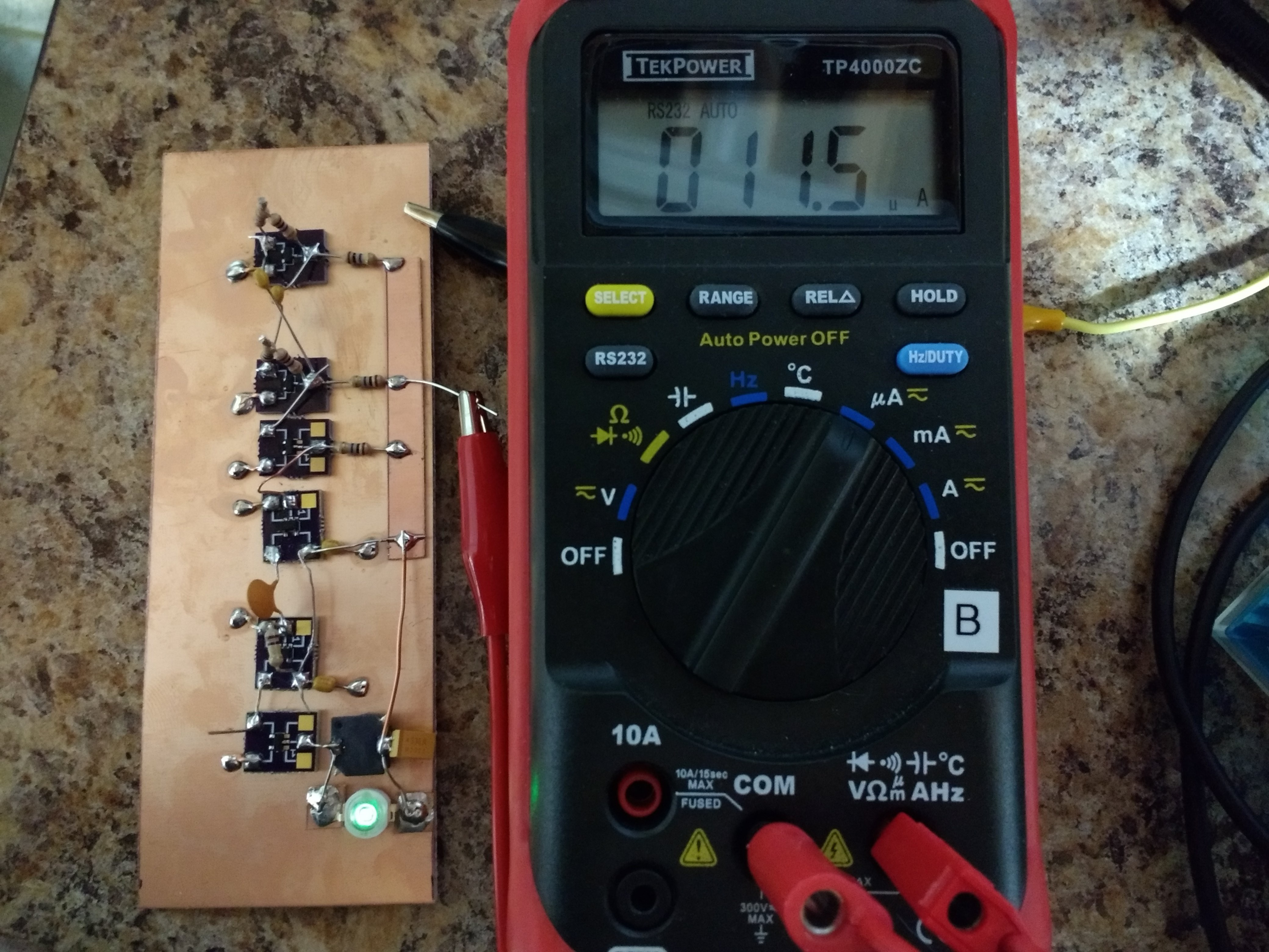 Tritiled 555 Timer Astable Multivibrator Circuit Technology Hacking The Is A Revised Version Of An Earlier Attempt I Made Using Schmitt Trigger Relaxation Oscillator Problem With Original Was