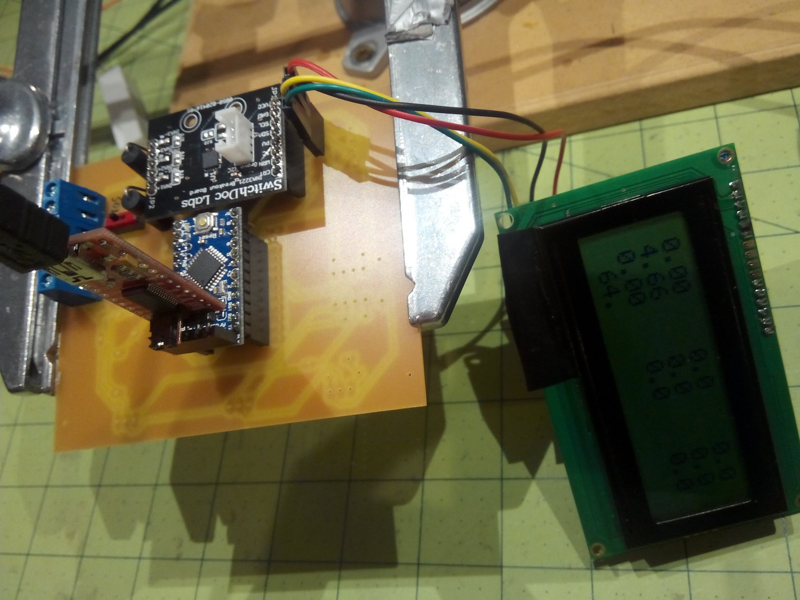 Project Arduino Mppt Solar Charge Controller Circuit Pull Up Resistor Battery Charger I Did Not Expect The Lcd To Work In Addition Ina3221 Power Monitor On I2c Bus But It Does Am Powering Pro Mini With An 84