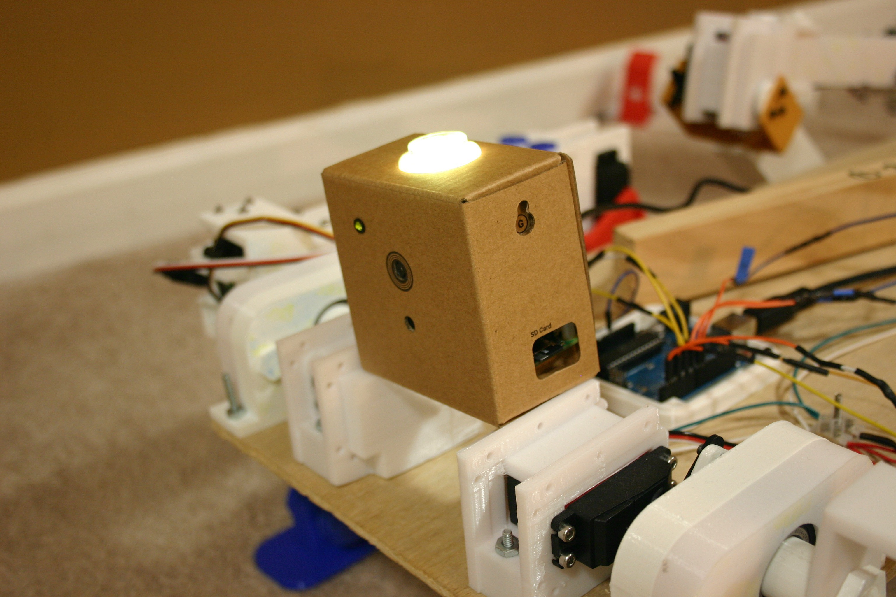 Mikes Robot Dog Piezoelectric Amplifier Circuit Hacked Gadgets Diy Tech Blog When There Is A Smile The Light Turns Yellow Big Will Turn Bright And Trigger Piezo Buzzer