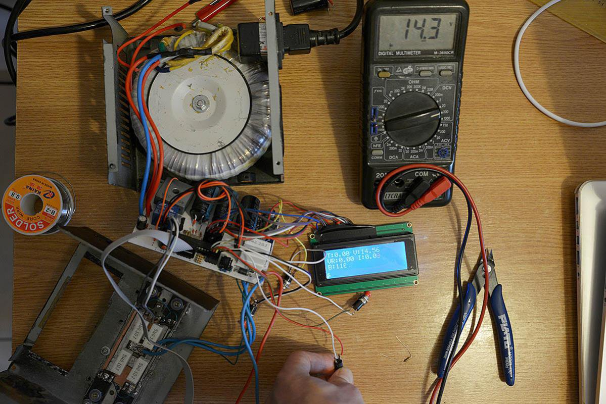 Digital Bench Power Supply Top 30v 10amp Construction Photos Finally The Pwm Code Is In Place And I Can Now Adjust Not Only Duty Cycle To Vary Dac Output From 0 5v But Also Frequency