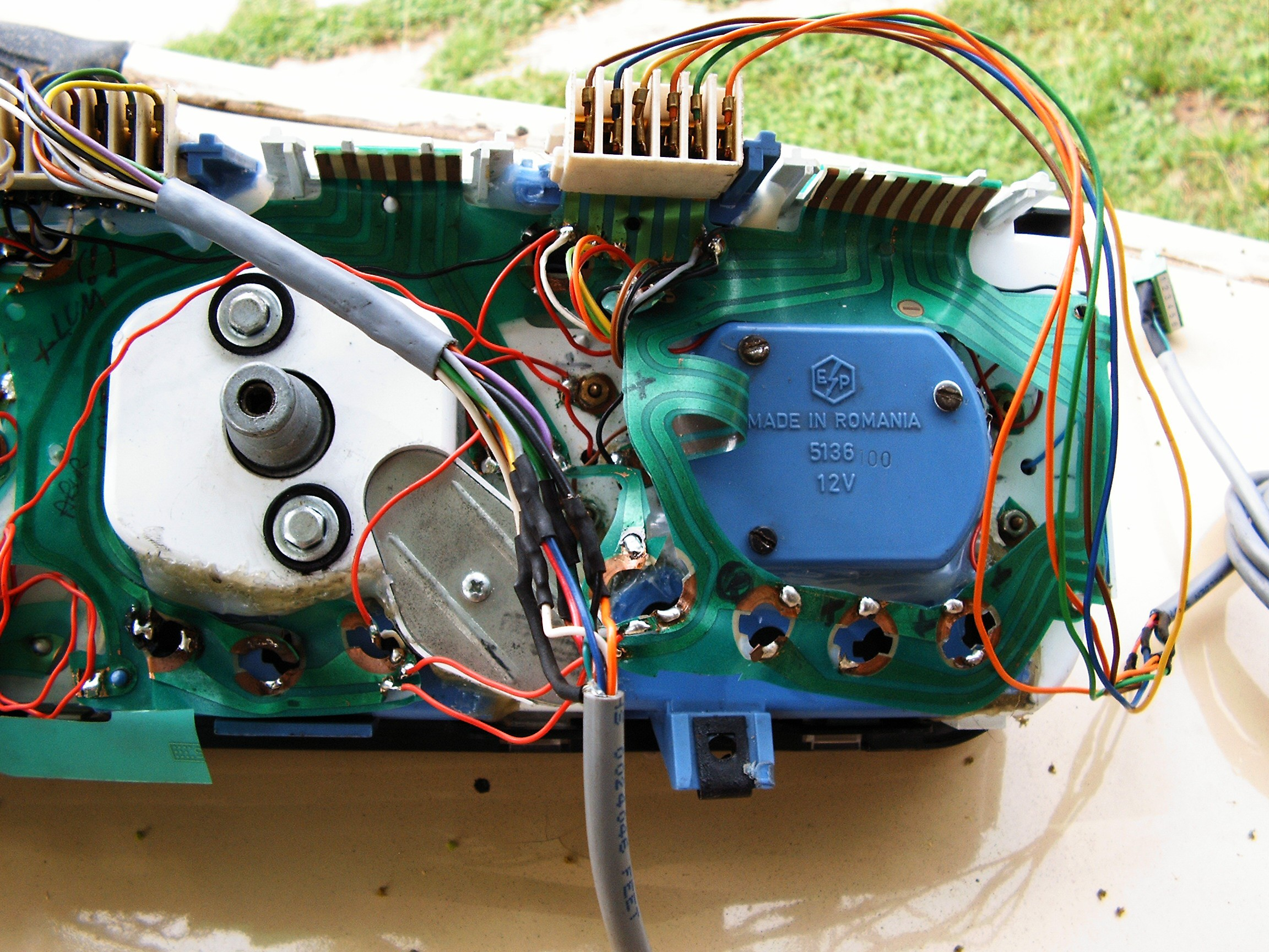 Rebuilding Gauges And Dials Details Led Rpm Meter Circuit Diagram For Automobiles Speed Extra Two Close Up View