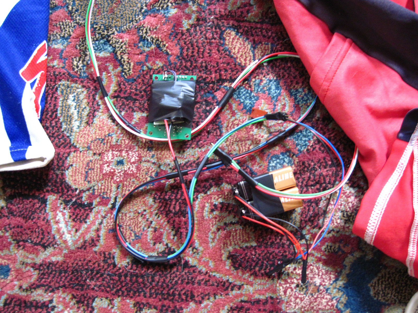 Synthasense Suit Control Stuff With Your Muscles Op Amp Opamps In A Loop Electrical Engineering Stack Exchange I Also Wasnt Fond Of The Signal Strength Was Getting Through Advancer Board So Built My Own Electrode Basic Opamp Amplifier Configuration