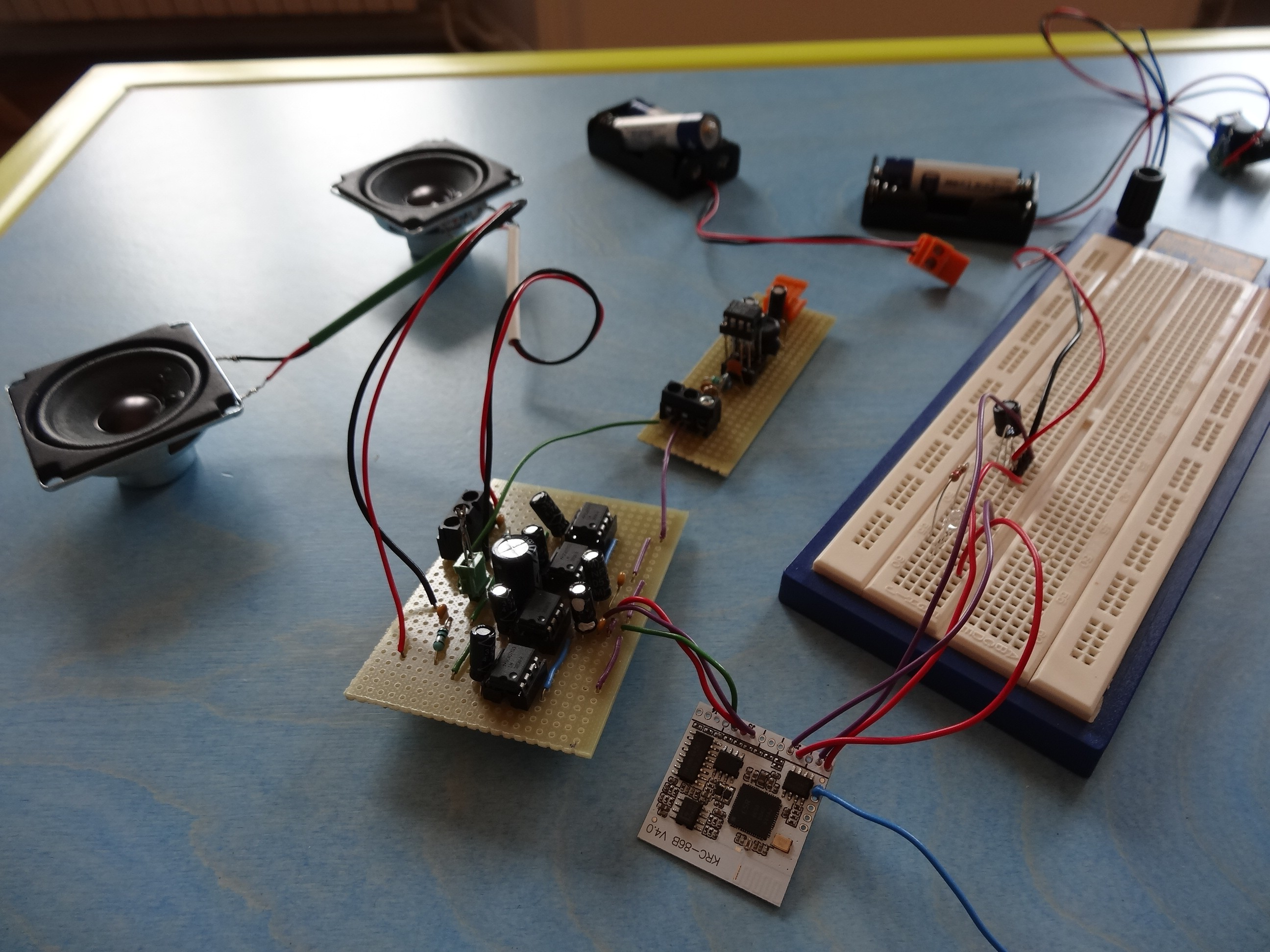 Portable Stereo Speaker Lm380 25w Audio Power Amplifier Electronic Projects Circuits To Supply 12v The We Worked On A Little Device That Deliver It With Aa Batteries Are Going Write Another Hackaday