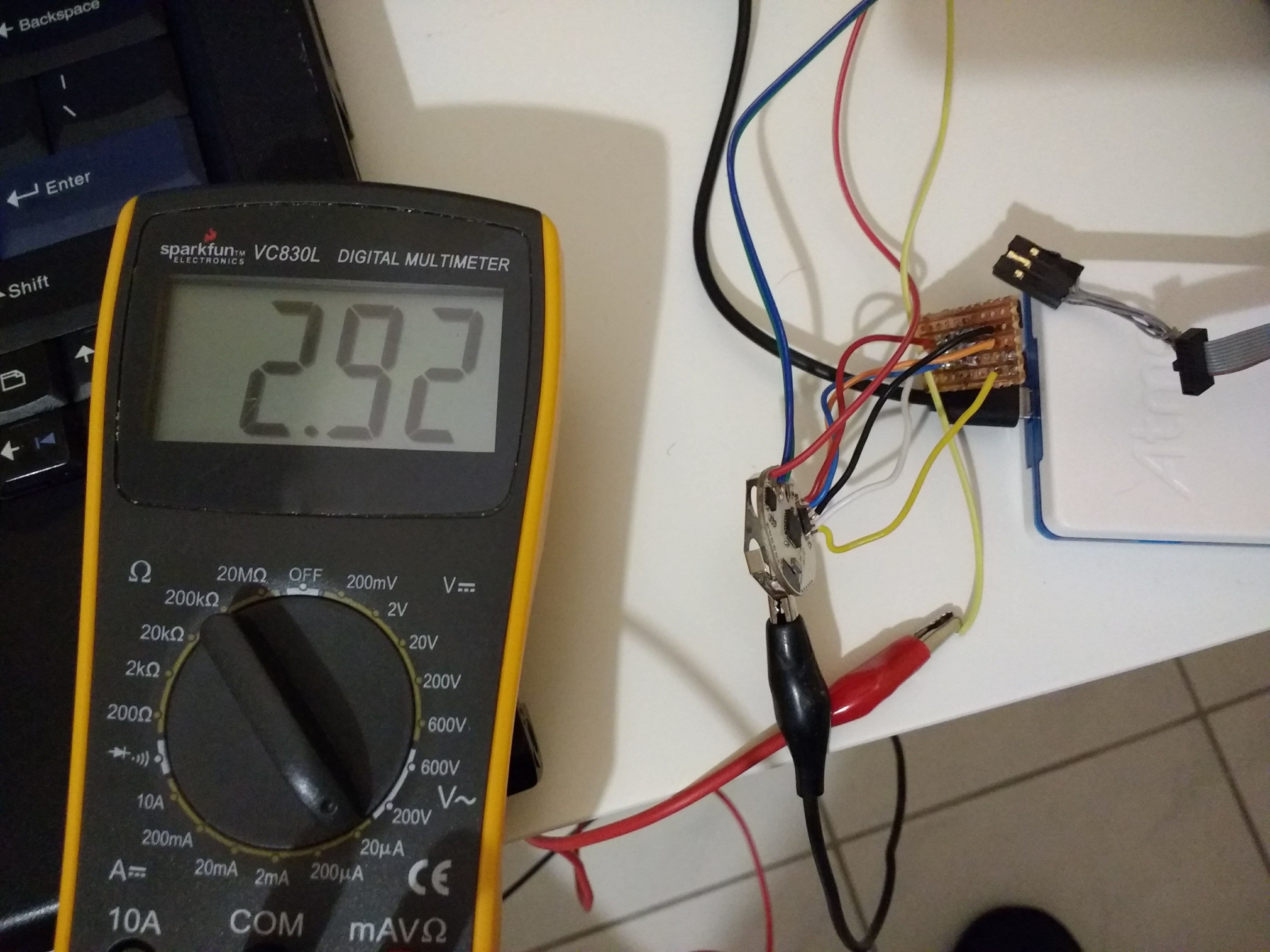 Project Low Cost Power Size Temperature Logger Simple Saver Circuit Schematic Diagram Ive Currently Achieved A Consumption Of 292ua During Save Already Established Communication With The Sensor And Memory Chip