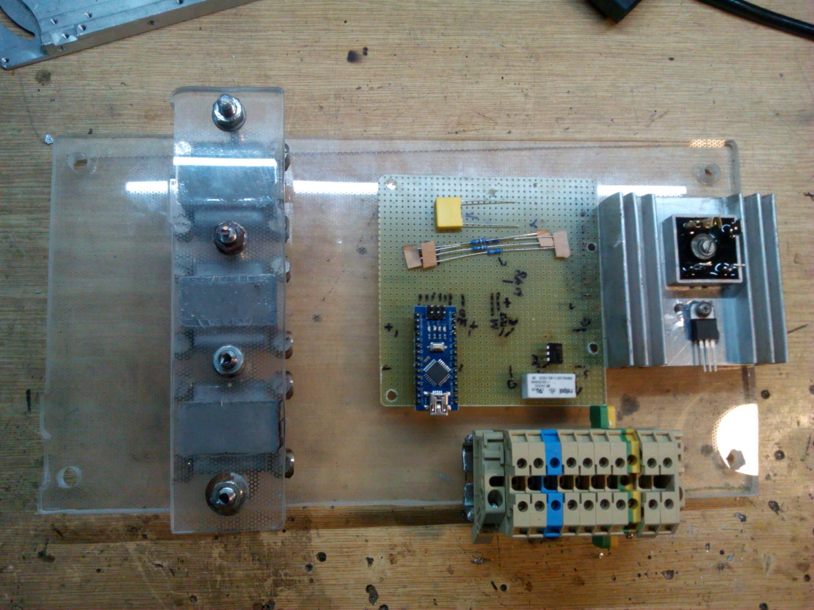 Automatic Voltage Regulator For Ac Alternator Parts Of Generator Avr Circuit Diagram Buy Baseplate