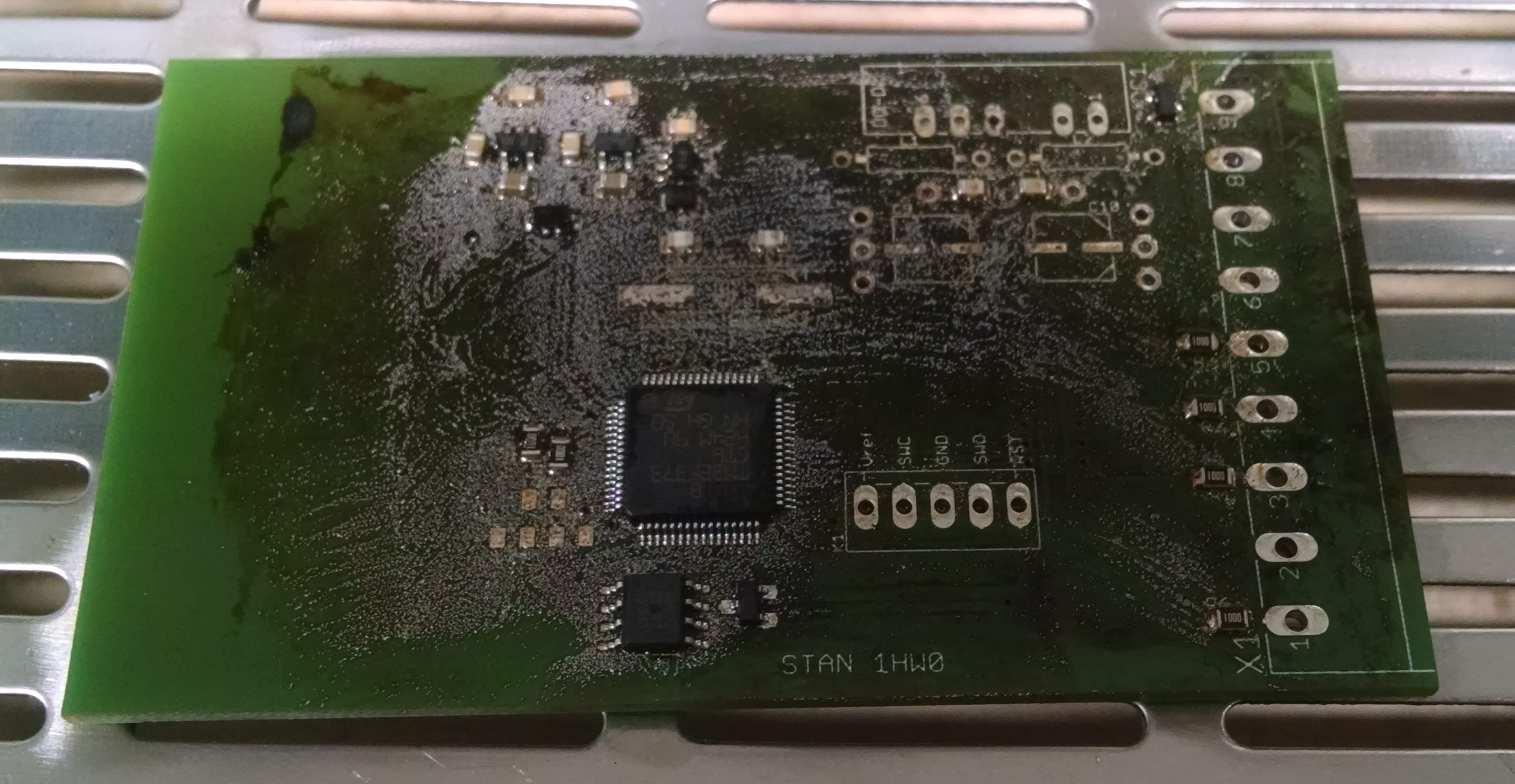 Solder paste wont be easily cleaned from PCB after reflow in oven