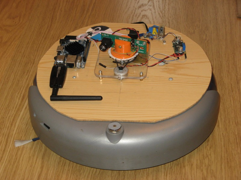 Photo of the lidar installed at the Roomba: