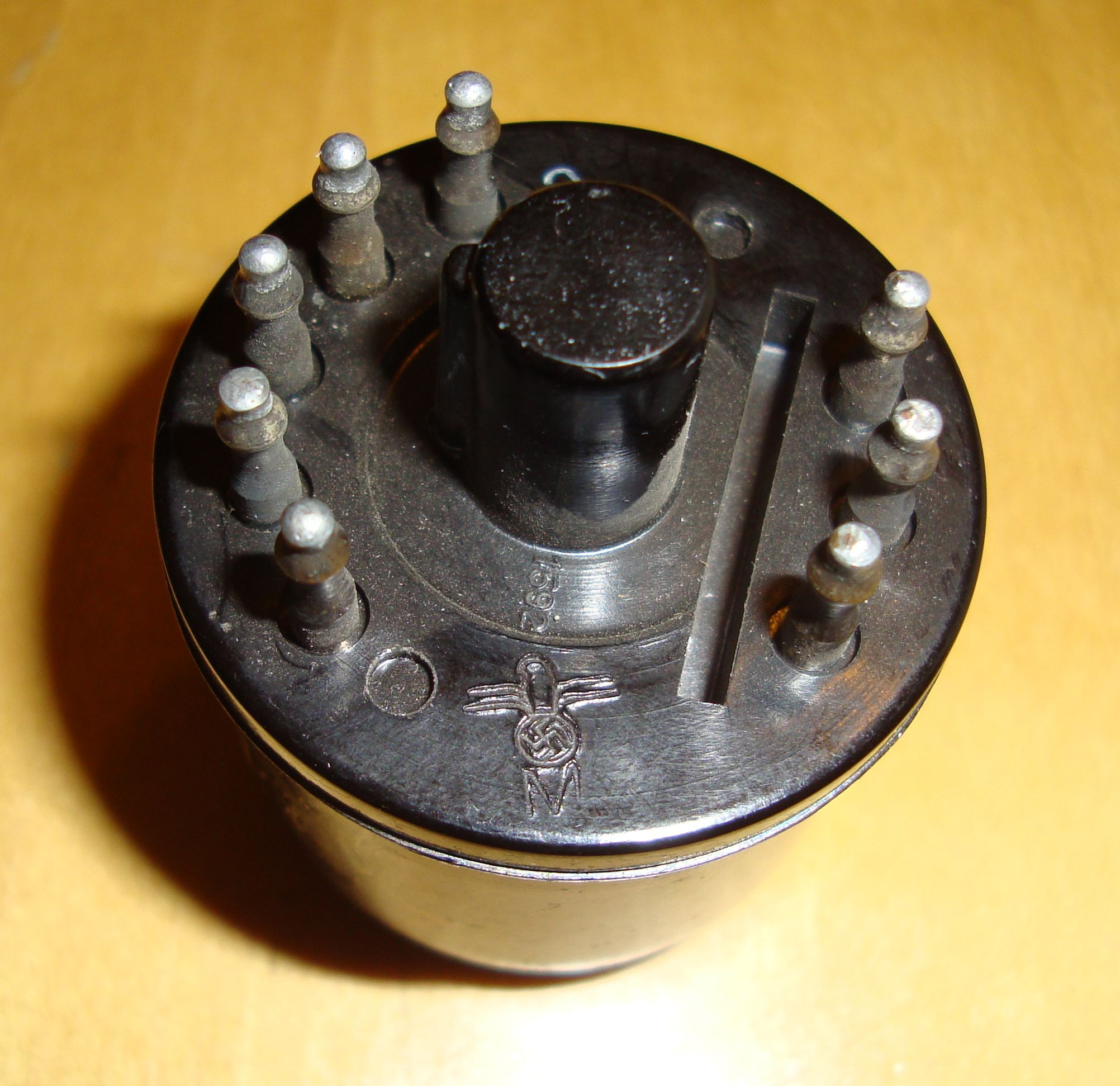 sockets for all the above mentioned vacuum tubes;