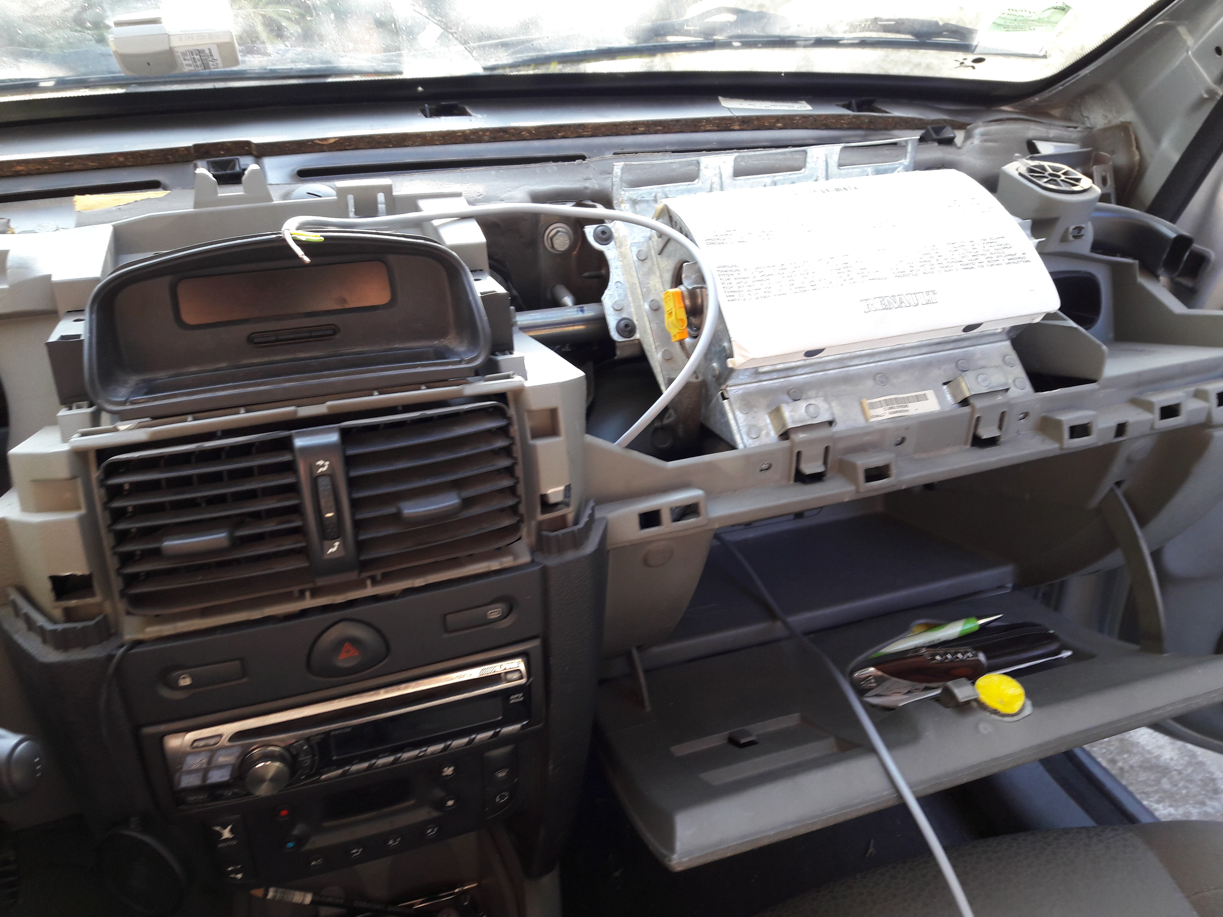 Project Smart Car Radio Renault Scenic Fuse Box Glove The Arduino Board With Canbus Interface And Bluetooth Spp Module Will Be In A Case