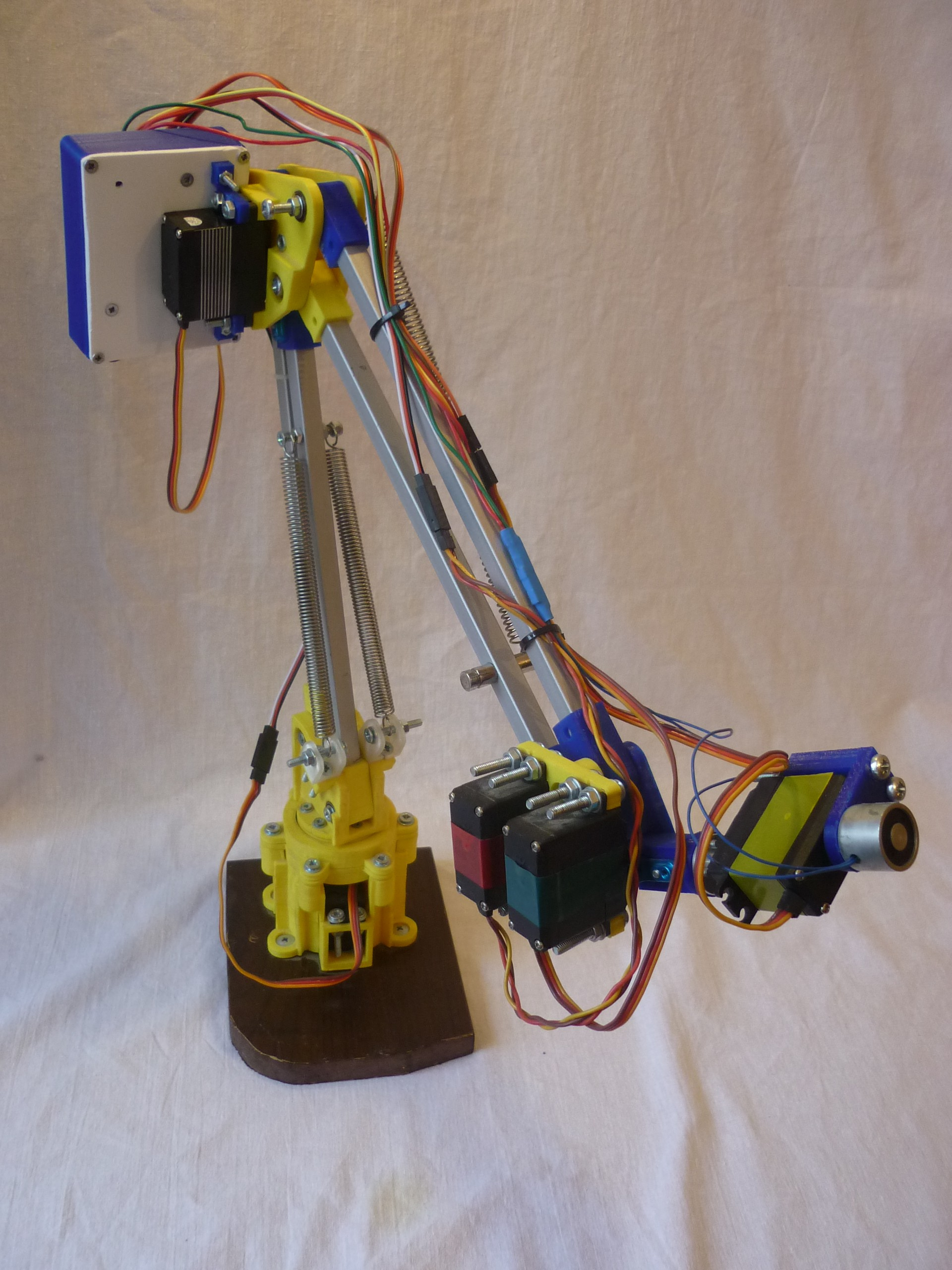 Tertiarm low cost d printed robot arm based on ikea