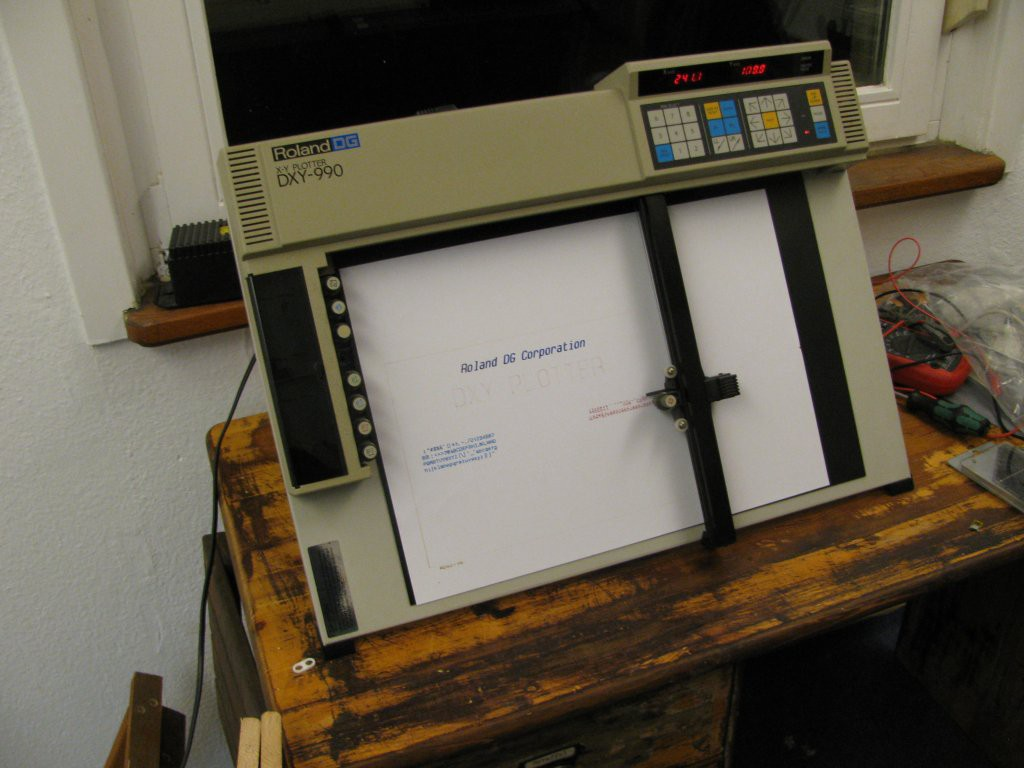 Roland DG DXY-990 | Hackaday io