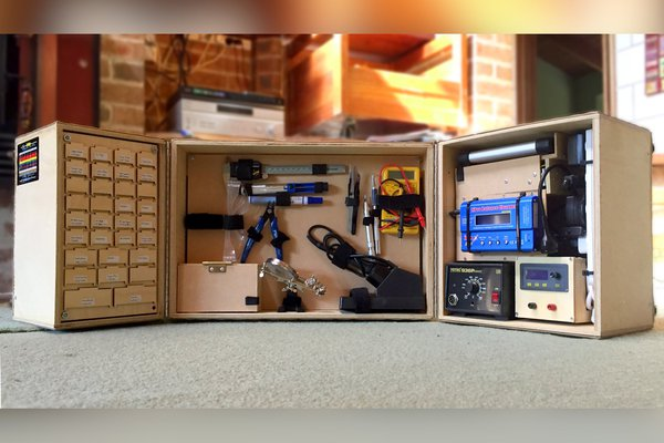 PortoLab: The Electronics Lab in a Suitcase