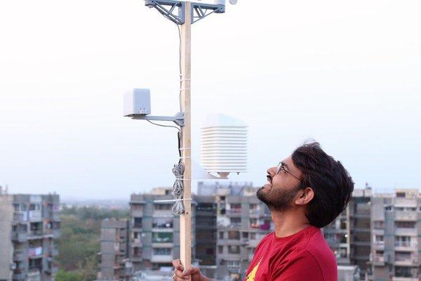 Solar Powered WiFi Weather Station V3.0