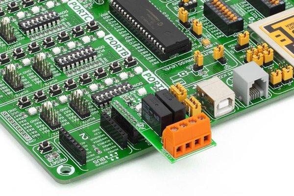 MC14584BCPG Triggering Application Circuit