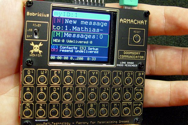 ARMACHAT - Doomsday wireless QWERTY communicator