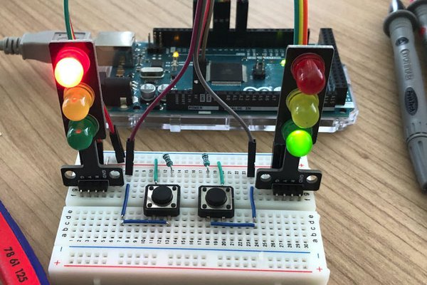 Traffic Lights for Arduino - Finite State Machine